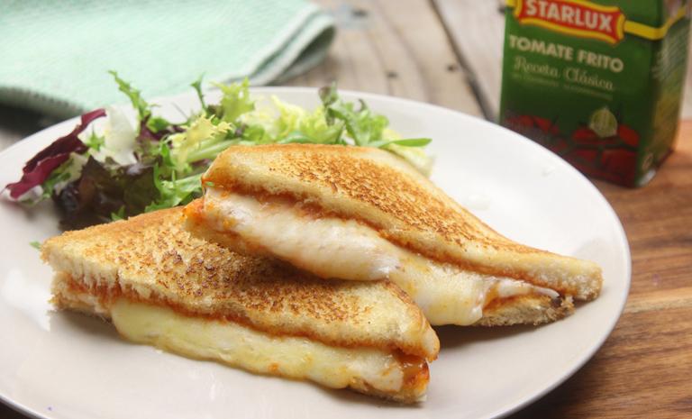 Sándwich 3 quesos con tomate frito Starlux